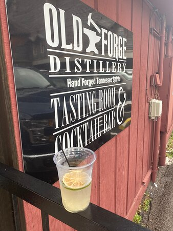 Delicious Moonshine and friendly staff
