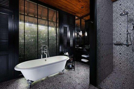 Leelawadee - Bathroom