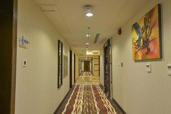 Hallway_TOP Crown Town Hotel Jeddah