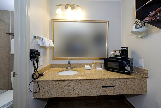 ADA_Double_2 - Picture of Red Roof Inn Arlington - Entertainment District - Tripadvisor