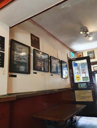 Ye Cracke Pub in Georgian Quarter.