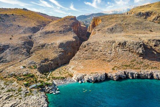 Foto de Chania Experience Tours, Creta: Octopus drying in the sun  - Tripadvisor
