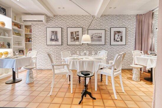 Salle intérieure restaurant