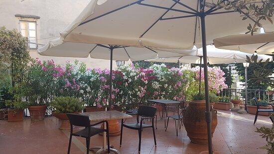 Florence, Italy: Atrio, terrazza e camera con bagno Hotel Silla