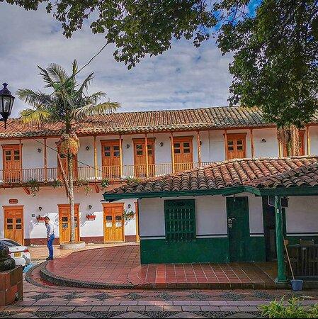 El Retiro town Park