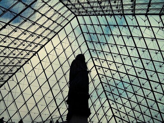 Παρίσι, Γαλλία: Louvre