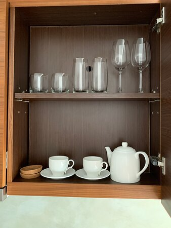 Cabinet, cups & glasses