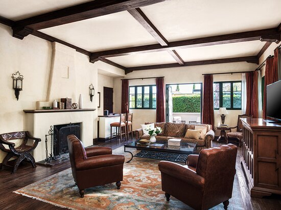 Clara Vista Cottage Suite Parlor