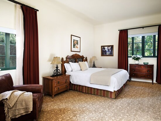 Clara Vista Cottage Suite Bedroom