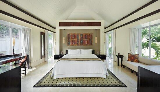 Two Bedroom Double Pool Villa Main Bedroom