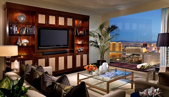 One Bdrm Penthouse Living Room