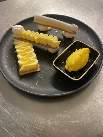 «L'ASSIETTE CITRON» sorbet mangue/gingembre/huile d'olive/citron vert & juste un peu de meringue