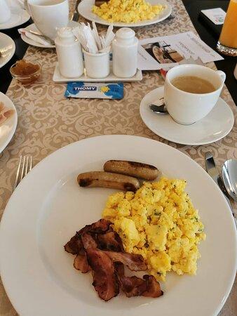 Reichhaltiges und gutes Frühstück