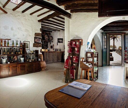 Tienda y Wine Bar El Grifo