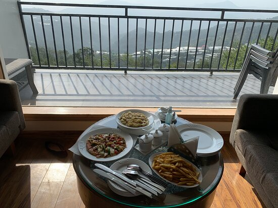 One of the best mountain stays - At Ekant Retreat Resort, Chail