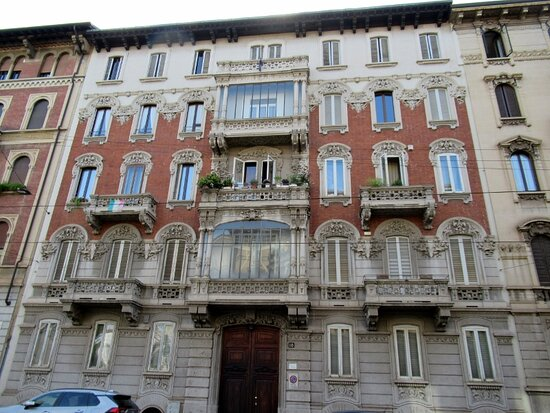 Palazzo Via Ariosto 10