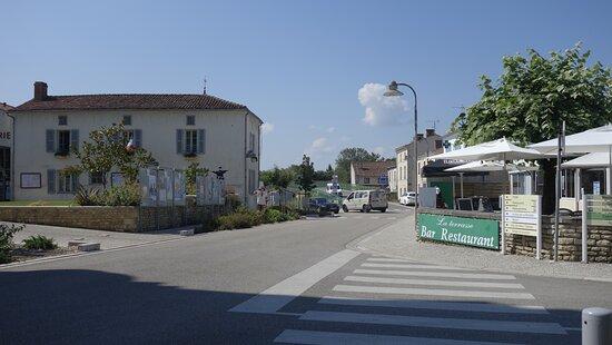 Damvix, centre