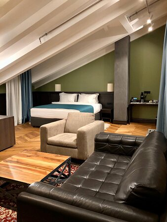 Reception - Foto Hotel Solun, Trieste - Tripadvisor