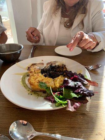Fish and chips Crab claws Crab salad Mushroom toastie Crevettes