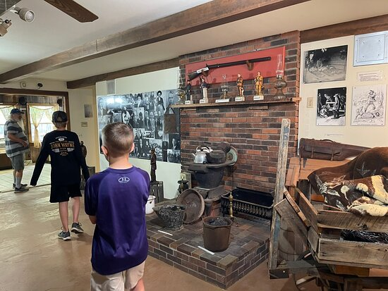 Hatfield McCoy Museum and Bakery