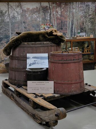 Gathering tank sled.