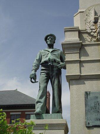 NH - DOVER - CIVIL WAR MONUMENT - UNION SAILOR