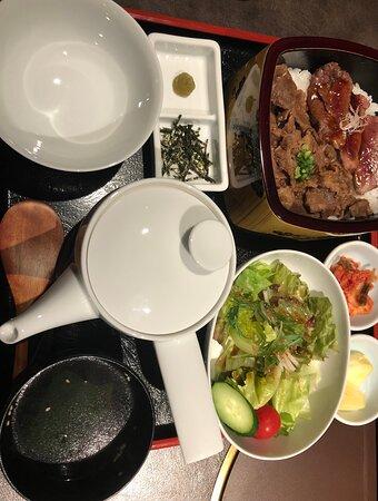 神戸牛まぶしステーキ二種