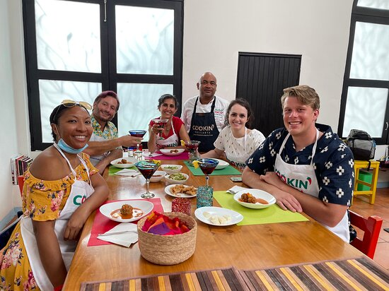Puerto Vallarta Cooking Class: Market Tour, Lesson and Tastings: Happy travelers with the chef, Enrique!