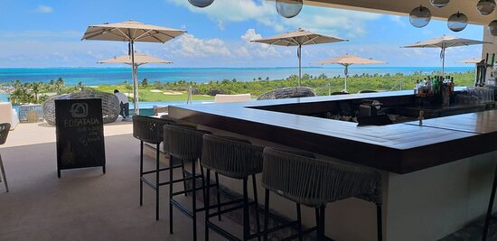 Vista panorámica del hotel y detalle en área de adultos - Gambar Estudio Playa Mujeres - Tripadvisor