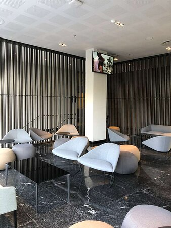 Galeria Plaza San Jeronimo Lobby BAR