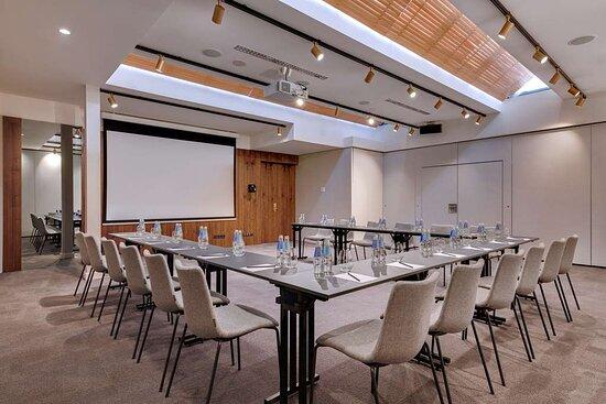 Meeting room, conference center, U-shape setup