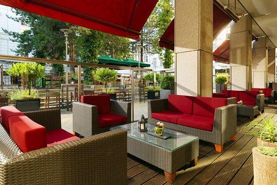 Piano Bar - Terrace