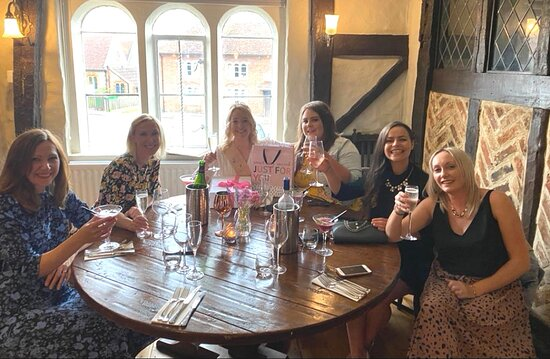 Cocktails, catch ups and friendships that last forever 💕