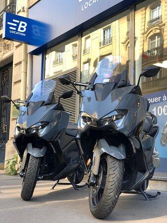 Παρίσι, Γαλλία: Retrouvez les T-Max chez Bikeloc ! Choisissez le contrat qui vous convient : courte, moyenne ou longue durée.   Louez chez Bikeloc au 2 rue Michel Chasles  Metro Gare de Lyon