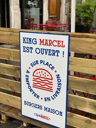King Marcel, ouvert tous les jours sur place, à emporter et en livraison.