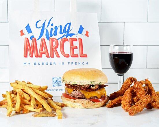 Formule French touch: Burgers ou nuggets + frites fraiches + boisson avec alcool.