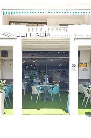 Nuestra nueva terraza en Las Caletillas... Ahora Cofradía La Laguna... y el mar