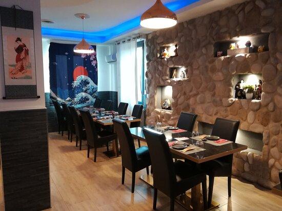 Ottima cena al ristorante Fu Sushi di Pinerolo, sushi e sashimi di ottima qualità...
