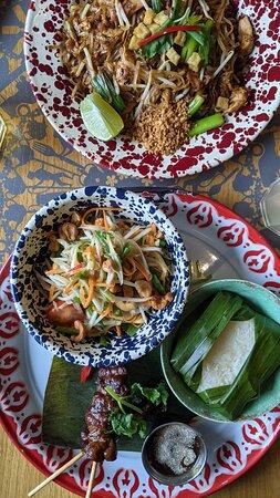 Rosa's Thai set meal and Pad Thai