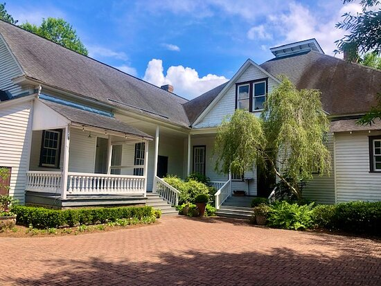Historic Adams family farmhouse, and a beautiful place for a prarty or event!