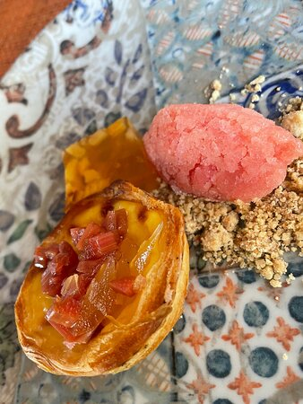 Rhubarb and Ginger Pasteis de nata
