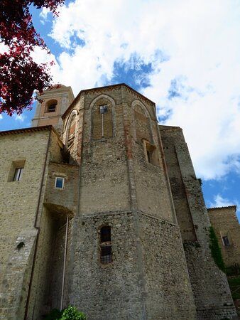 L'abside vista dai pressi di Porta Posterola
