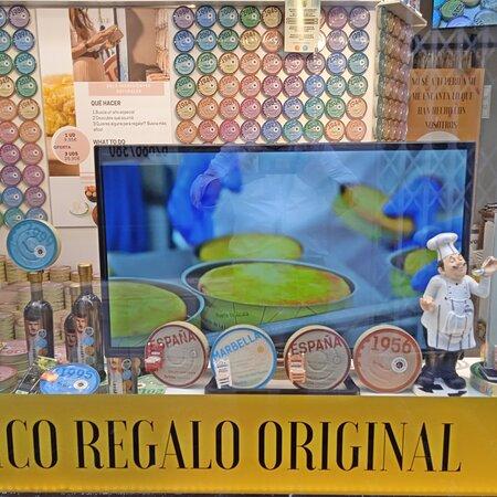 Sólo ingredientes naturales . Made in Spain . Tratamiento sanitario exhaustivo para mantener todas sus cualidades nutritivas
