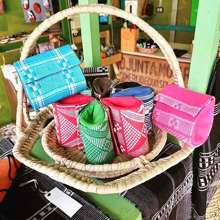 Djunta Mo Art Fair Trade Created in Cabo Verde. Loja de Santa Maria Rua Pedonal