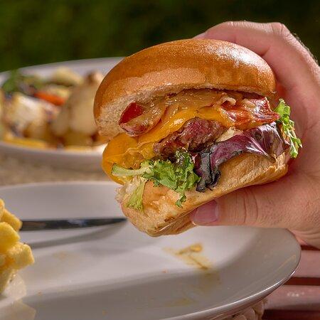 Las hamburguesas elaboradas con carne de ternera son un manjar.
