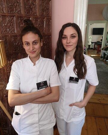 Katarina i Jasmina - maseri fizioterapeuti - duo za Kraljevsku MASAŽU 4 ruke...