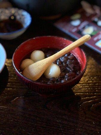 Shiratama Zenzai: You can't leave Meiji Seimen without eating this traditional dessert called Shiratama Zenzai