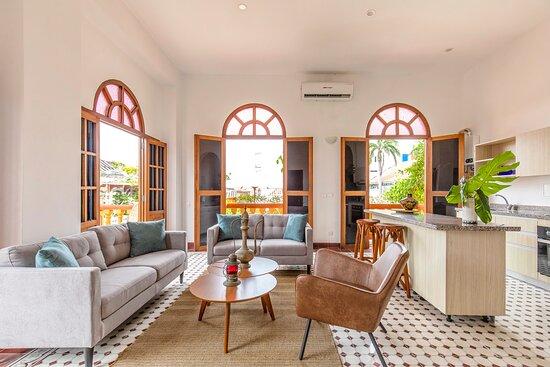 Sala - Apartamento Dos Habitaciones Vista a Patio interior y Piscina