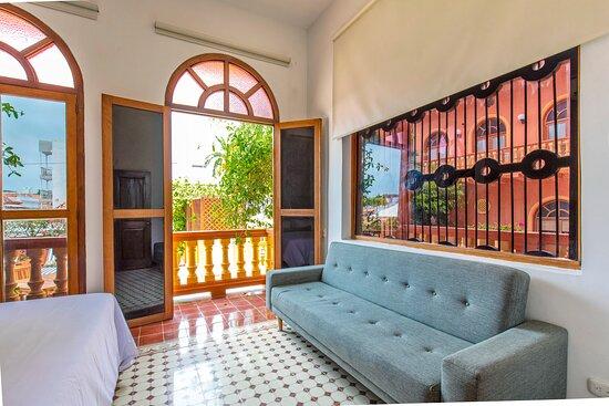 Habitación - Apartamento Dos Habitaciones Vista a Patio interior y Piscina