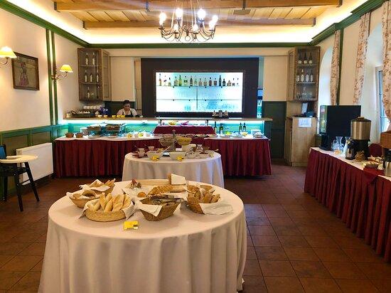 Snídaně v hotelu Galant Lednice